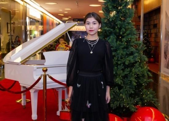 Предновогодний концерт в Esentai Mall